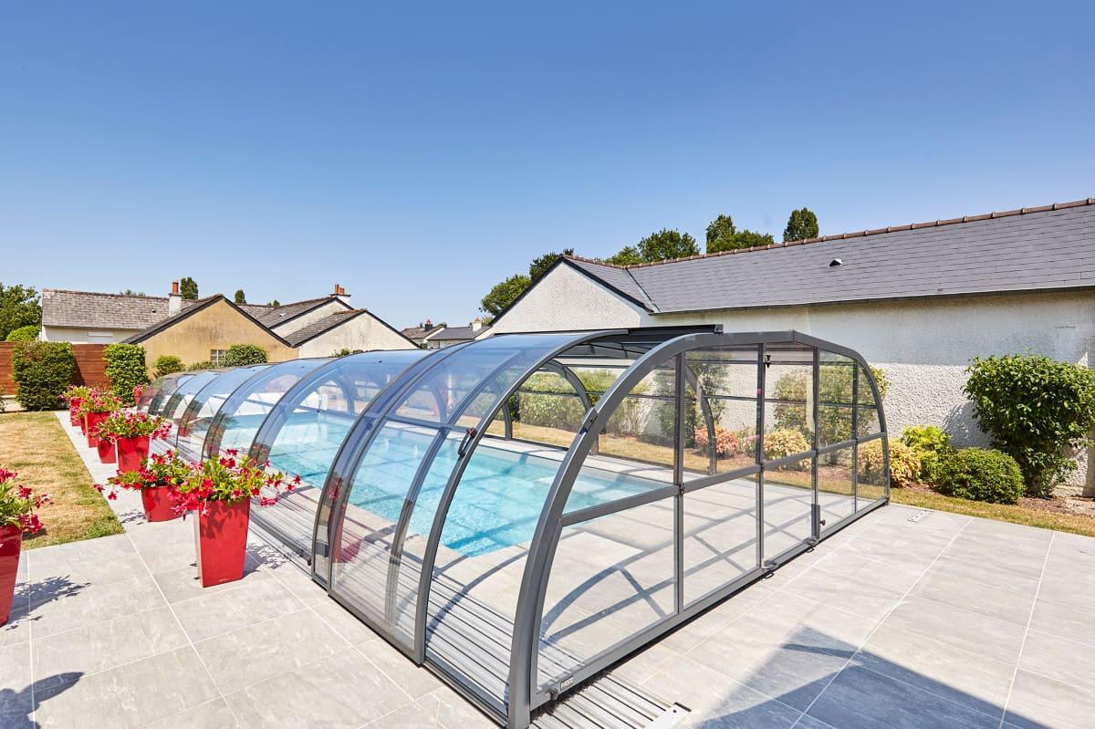 Abri de piscine gamme Elliptik mi haut Atrio